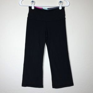 Lululemon Size 2 Black Crop Capri Leggings Pants